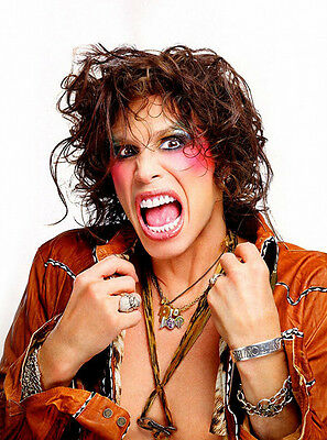 Steven Tyler UNSIGNED photo - F725 - American singer-songwriter