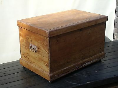 vintage wood blanket chest / box