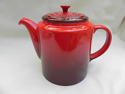 Le Creuset TEAPOT RED 15cm Tall Excellent.