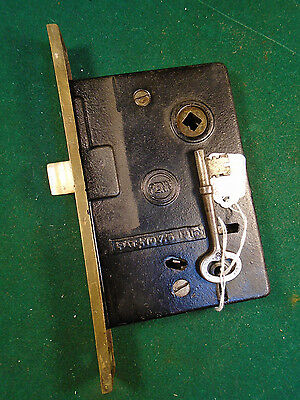VINTAGE PENN ENTRY MORTISE LOCK w/KEY - PUSH BUTTONS -  WORKS GREAT (6516)