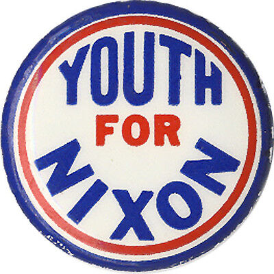 1960 Campaign Richard YOUTH FOR NIXON Political Button (3196)