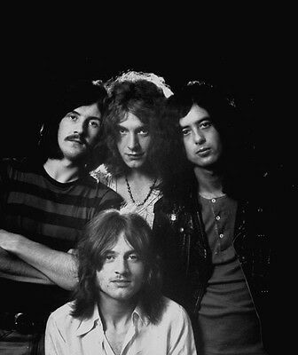 Led Zeppelin UNSIGNED photo - G198 - Jimmy Page, Robert Plant & John Bonham