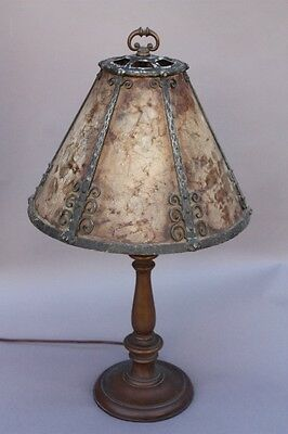 1920s Antique Turned Wood Table Lamp Light w Vintage Mica & Iron Shade (9632)