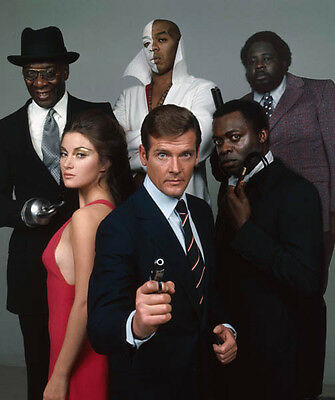 Jane Seymour, Roger Moore & Yaphet Kotto UNSIGNED cast photo - G345 - James Bond