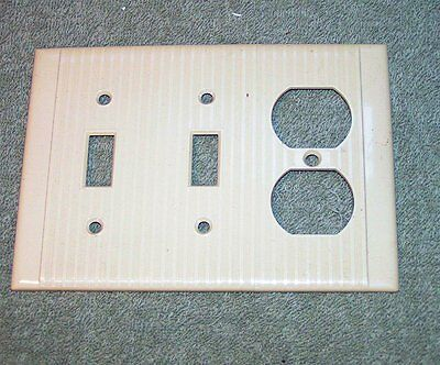 Vintage Ivory Plastic Ribbed Reliance Double Toggle OUTLET Switch plate Cover