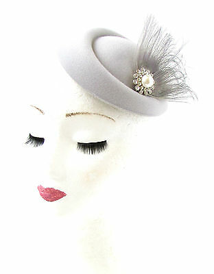 Grey White Silver Feather Pillbox Hat Fascinator Hair Clip Races Vtg 1940s 735