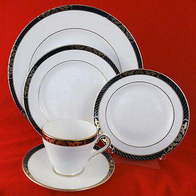 ENVOY Y8360 by Spode 5 Piece Setting BONE CHINA NEW NEVER USED made England