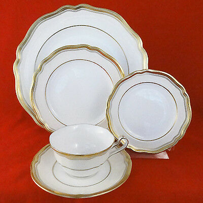 STRATFORD by Spode 5 Piece Place Setting BONE CHINA NEW NEVER USED made England