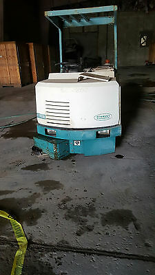 Tennant Ride On Sweeper  528  Low Hours  120