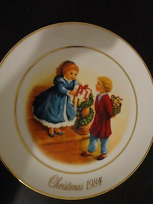1984 Avon Celebrating The Joy Of Giving Christmas Porcelain Collector's Plate