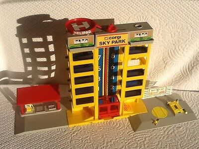 Vintage Very Rare Corgi Skypark Tower Play Set Car Park Lift MOT Petrol Station