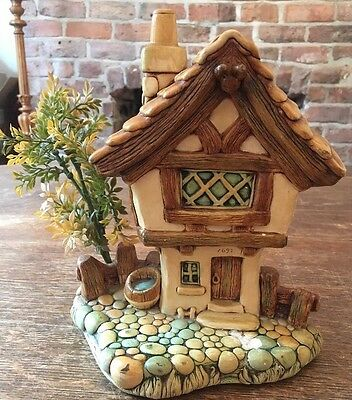 Vintage Pendelfin Rabbit Hand painted Building - Cobbled Cottage
