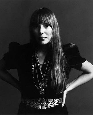 Joni Mitchell UNSIGNED photo - G1072 - Canadian singer-songwriter and painter