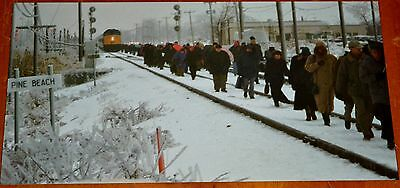 Photo 1998 Ice Storm Leaves Montreal Commuter Train Passengers Stranded - Via