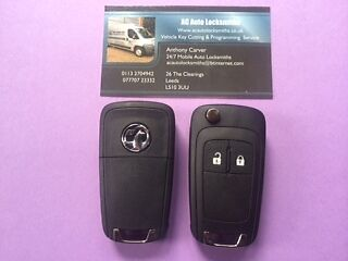 New Genuine  Corsa D 2 Button Remote Key