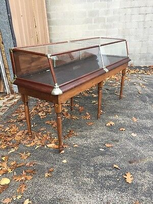 Cm Walnut And Nickel J Phillips And Company Table Top Display Case With Bass