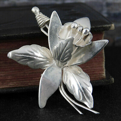 Signed DS Taxco Mexico Sterling Silver Flower Pin / Brooch