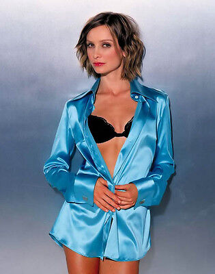 Calista Flockhart UNSIGNED photo - H1616 - GORGEOUS!!!