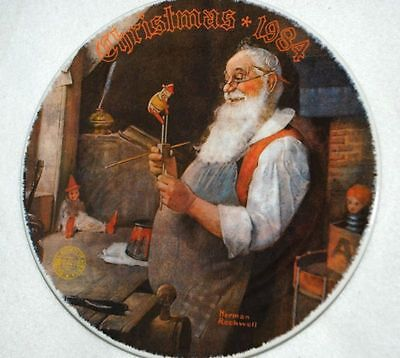 Santa in WORKSHOP KNOWLES Collector PLATE Rockwell P7 yy