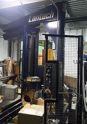 Lantech S-300 Semi-Auto Straddle Stretch Wrapping System