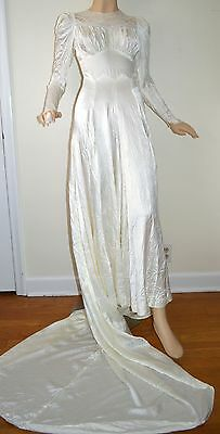 VINTAGE 1940s WHITE SATIN WEDDING DRESS LACE W/ TRAIN BUTTON BACK SZ XS S