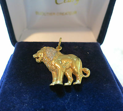 Pendentif Lion or et diamants