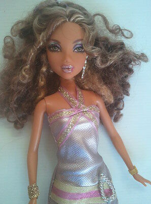 """Mattel BARBIE DOLL - MY SCENE - MADISON """"My Bling Bling"""" with Belly Piercing"""