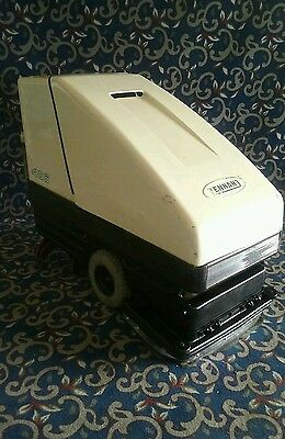 "Tennant 465 26"" battery-powered automatic floor scrubber FREE shipping"