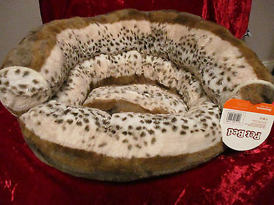 Pet Bed in soft fur fabric BNWT
