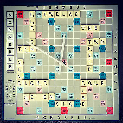 Scrabble clock upcycled by Asbeau 💚