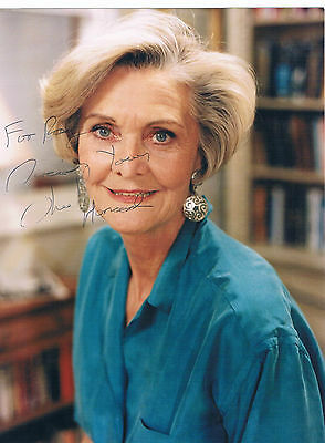Sheila Hancock Actress Television  and Film Hand Signed  Photograph 8 x 6