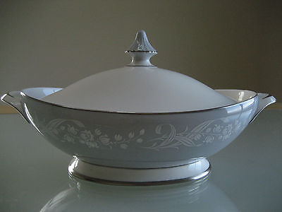 """Vintage Royal Doulton """" Valleyfield"""" Oval Covered Vegetable Dish H4911"""