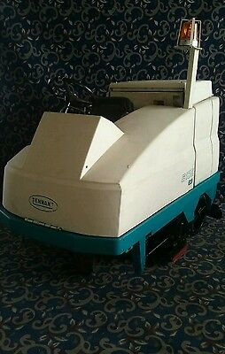 """Tennant 40"""" ride on floor scrubber with FREE shipping"""