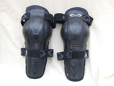 Ufo Plast Moto Cross Jointed Knee Armour,knee And Upper Shin,velcro Straps,clean
