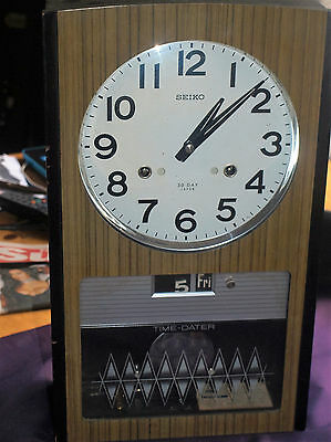 VINTAGE RETRO SEIKO 30 DAY WIND UP PENDULUM WALL CLOCK tIME /DATER