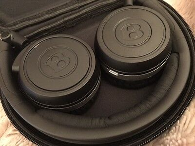 Bentley Headphones - Case and Cable - CONTINENTAL/FLYING SPUR/SPEED/BENTAYGA