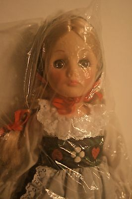 """HEIDI DOLL STORYBOOK COLLECTION Effanbee Doll 11"""" 1980's usa with Tag"""