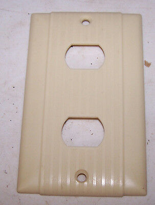 Vintage IVORY Arrow H&H UNILINE OUTLET COVER Bakelite Ribbed ODD SIZED PLUGS