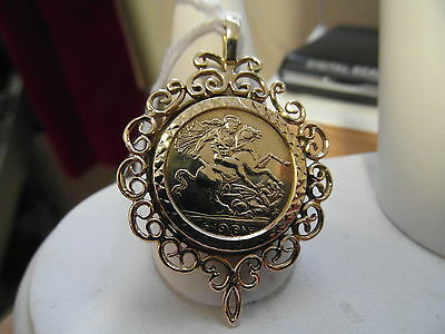 689E Ladies / Gents 9Ct Gold Saint George And The Dragon Medallion Pendant
