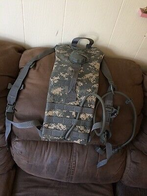 US Military Issue Camelbak Army ACU Camo Hydration System Backpack Carrier