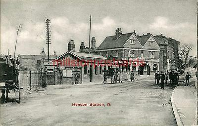 Printed Postcard Of Hendon Station, (London), Middlesex By Clarke East Finchley
