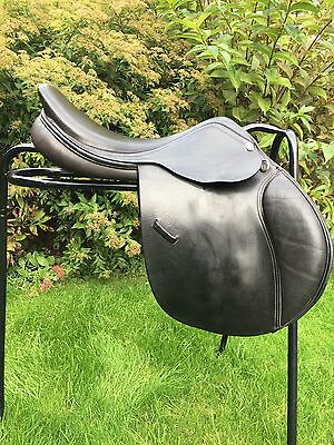 "GFS Jump Saddle 17.5"" Black."