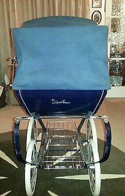Dolls pram . Silver Cross Oberon Twin.  Age not determined.