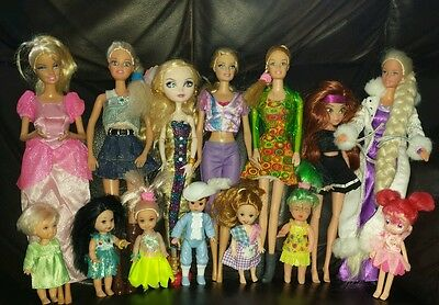 Lot of 14 Mix Dolls Barbie Small with clothing