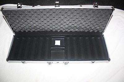 600 Poker Chip  Aluminum Carrying Case Room for 2 decks and Dice Brand New