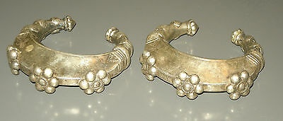 Pair of Pashtun bracelets of silver alloy