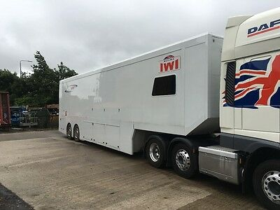 race car trailer with taillift