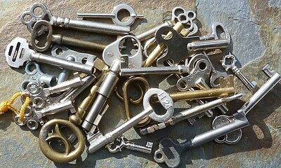 25 Assorted Vintage  Keys Furniture  Padlock  Skeleton Mortise Lock Clock Trunk