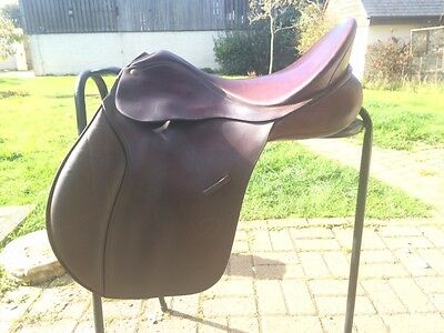 "Leather 17.5"" Havana Bates VSD Caprilli Saddle"