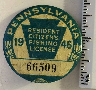 """Vintage Collectible """"1946 Pennsylvania Resident Citizens Fishing License"""" Pin"""